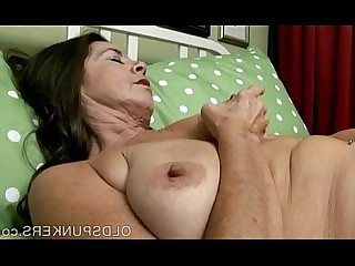 Babe Cougar Granny Little Mammy Masturbation Mature MILF